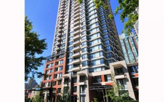 2004-977 Mainland Street, Vancouver, BC